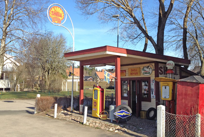 retro-petrol-station-sweden