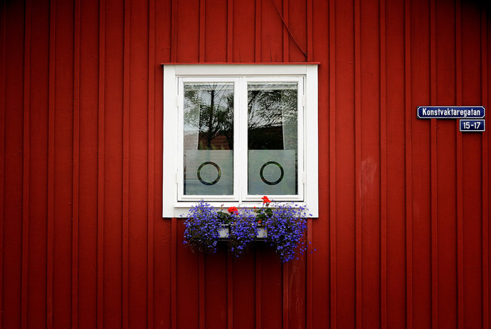 The red colour of Swedish cottages comes from Dalarna
