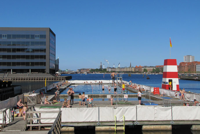 Havnebadet Fisketorvet is a great outdoor swimming pool in Copenhagen