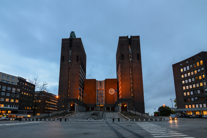 Oslo City Hall is one of the locations in the Snowman movie