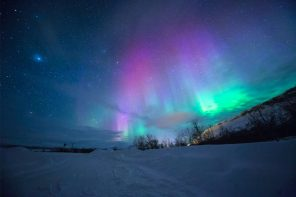 This tour lets you see the northern lights near Kiruna in Swedish Lapland