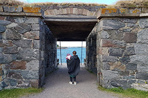 Food Tasting Tour with Ferry Ride in Helsinki and Suomenlinna